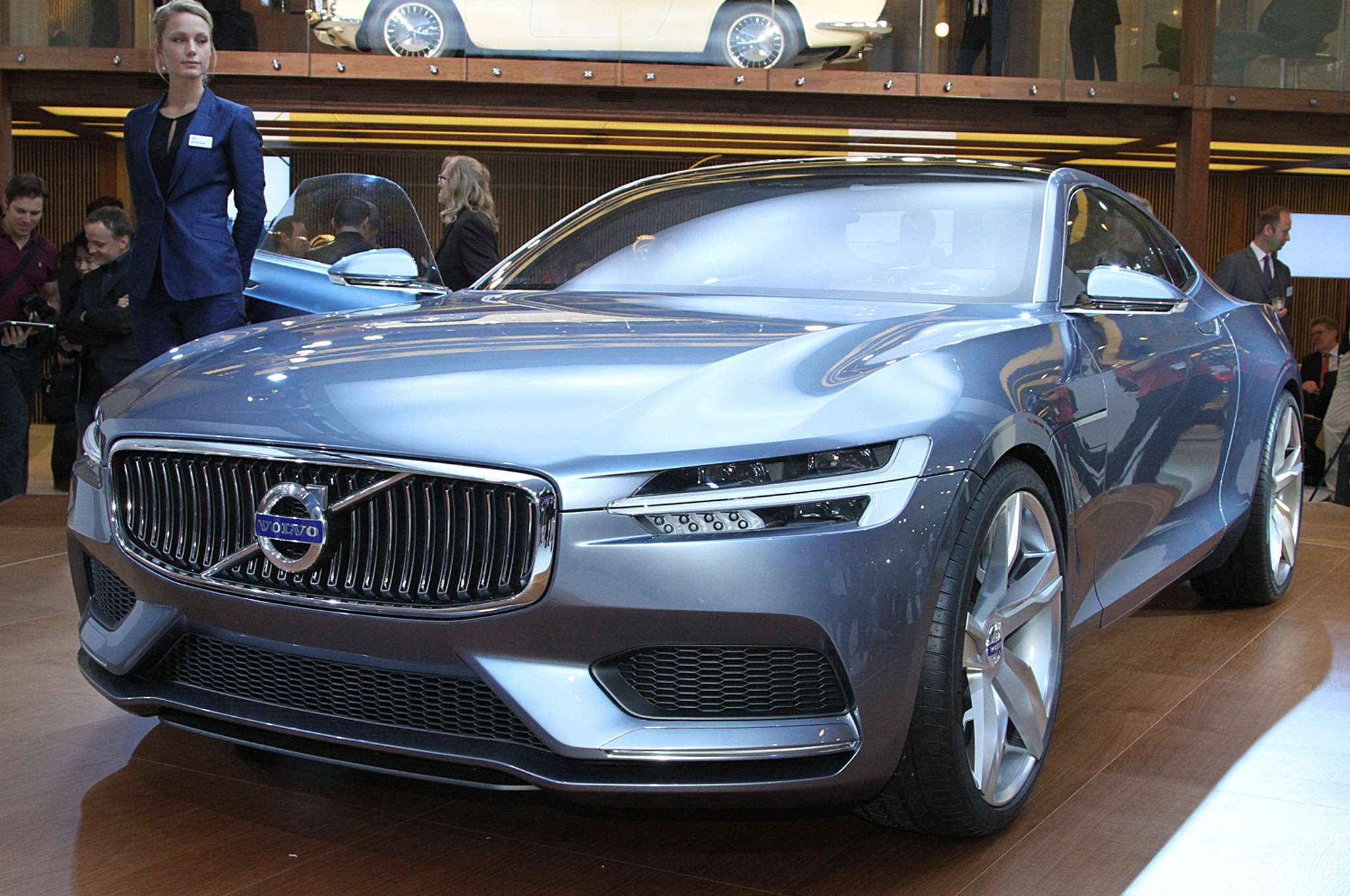 Volvo C Coupe Concept Front Three Quarter 021